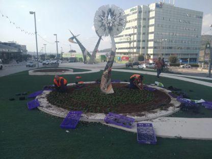 כיכר עמרם לוק מתרעננת עם פרחי עונה חדשים