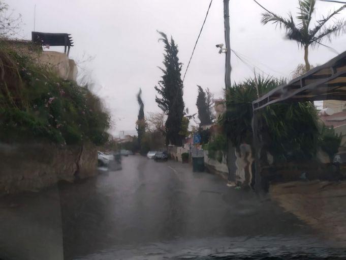 רחוב בבית שמש בימי גשם