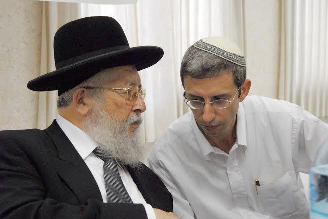"""הרב חיים בן מרגי, יו""""ר הסניף עם הרב ביטון אתר שמשנט"""