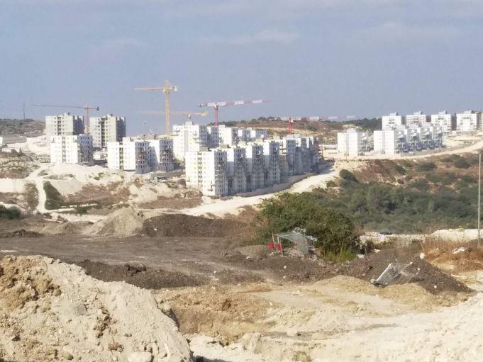 עיר בבנייה