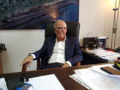 ראש העיר מטעם העבודה מצביע בני גנץ וכחול לבן