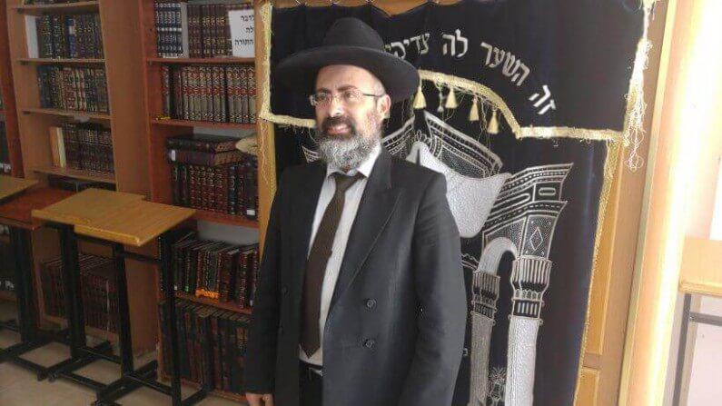 אחד המועמדים, הרב אבוקסיס