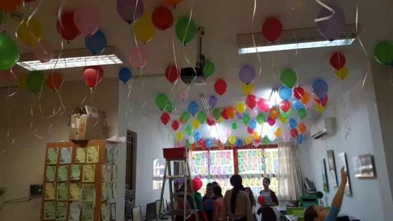 חדר מורים אורות בנות