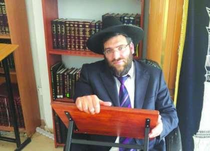 הראשון: הרב ראובן מנוחין הגיש מועמדות