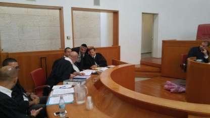 בית המשפט העליון : המשטרה תגבה את העירייה בהסרת השלטים