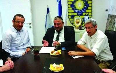 בהיעדרו של ראש העיר ימלא מקומו אליסף ורמן