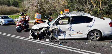 המונית בתאונה